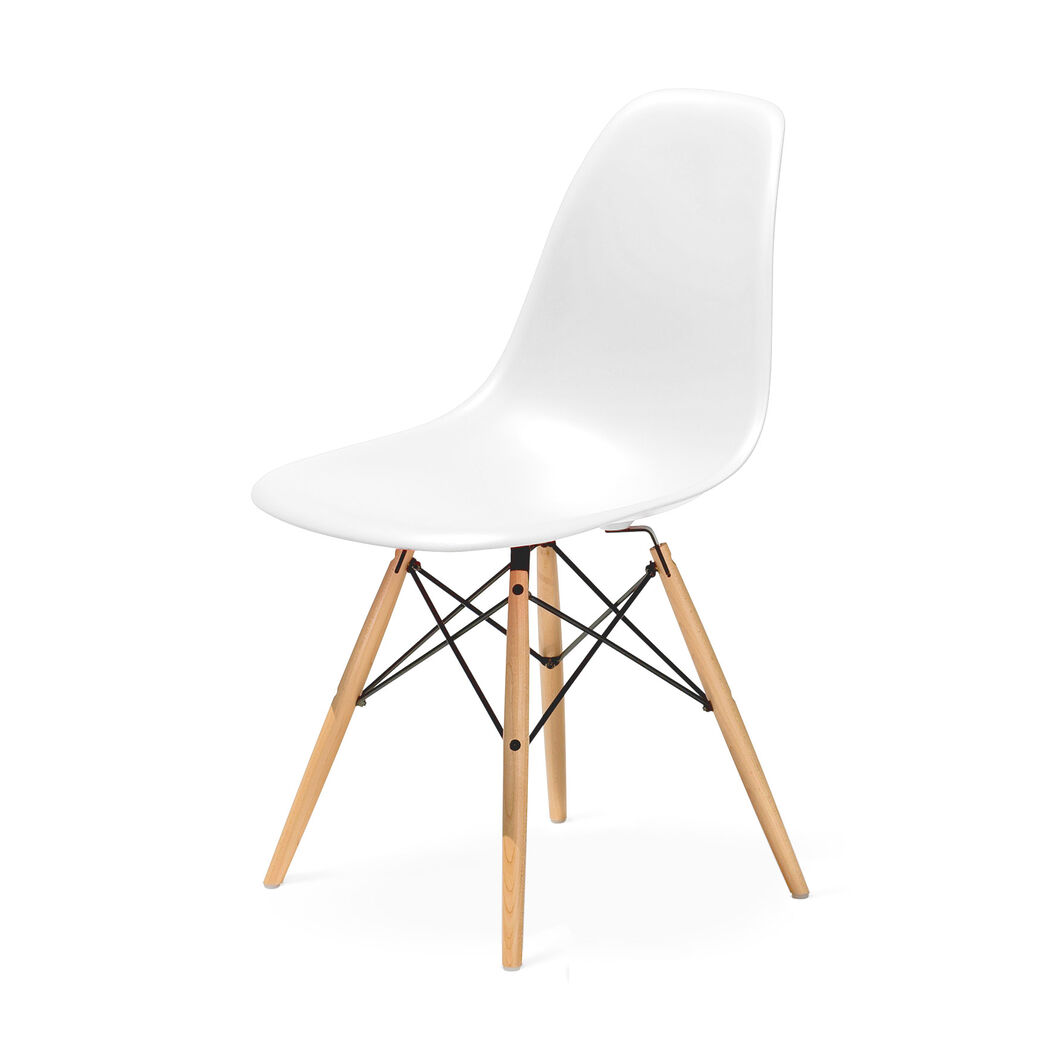 Eames molded plastic side chair with dowel leg base dsw for Eames molded plastic dowel leg side chair
