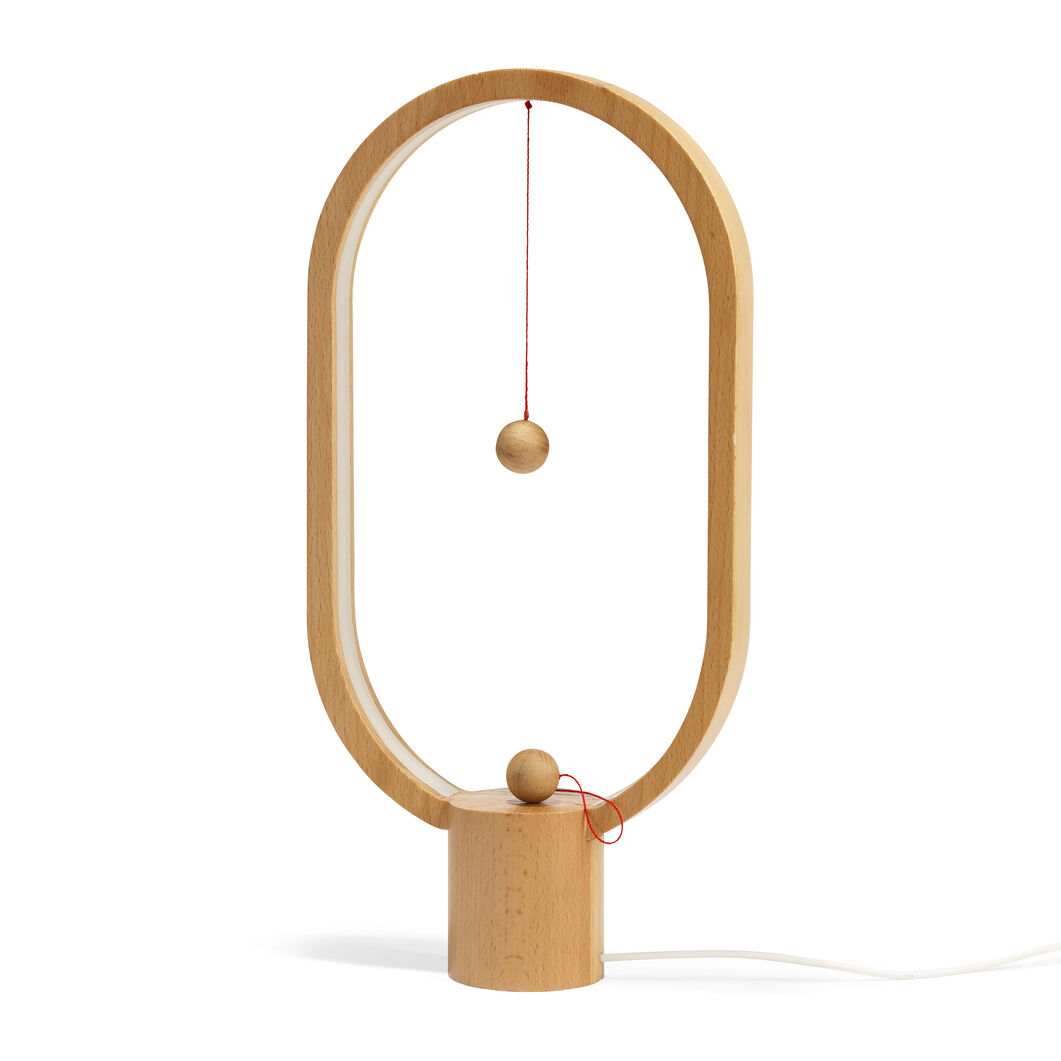 Heng Balance Lamp in color Light Wood