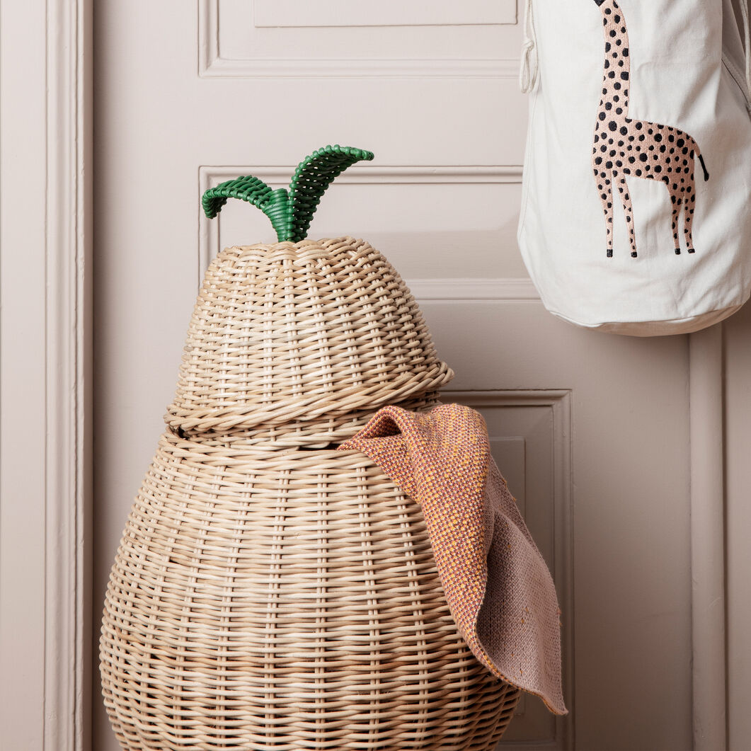 Pear Basket in color