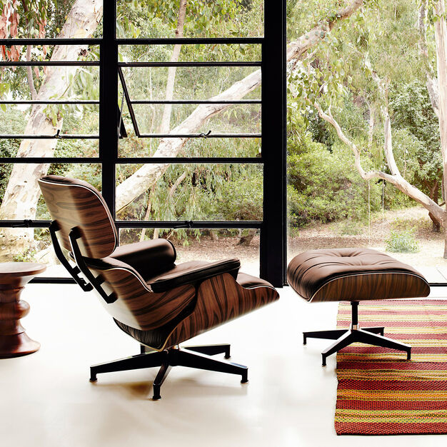 Eames Lounge Chair with Ottoman in color Brown/ Walnut