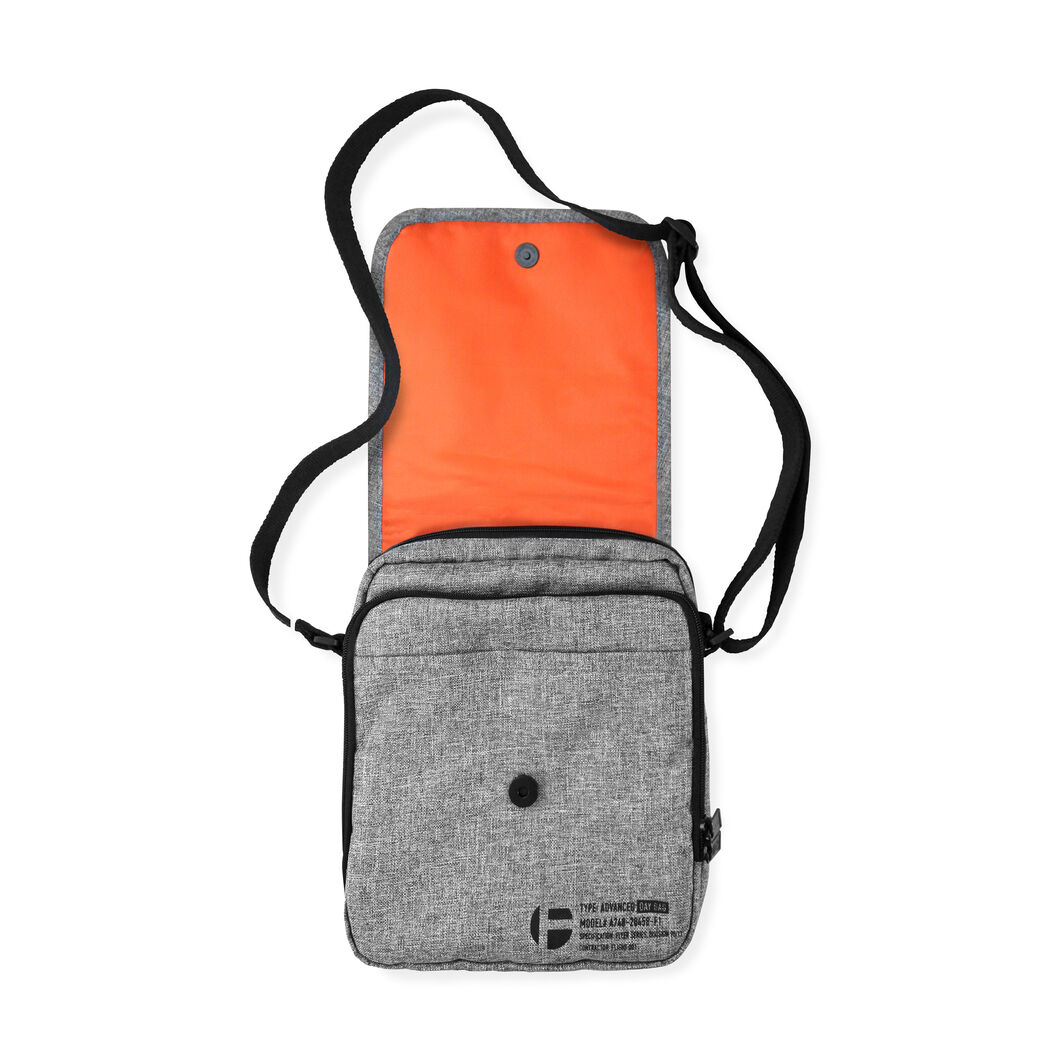 Flyers Day Bag in color