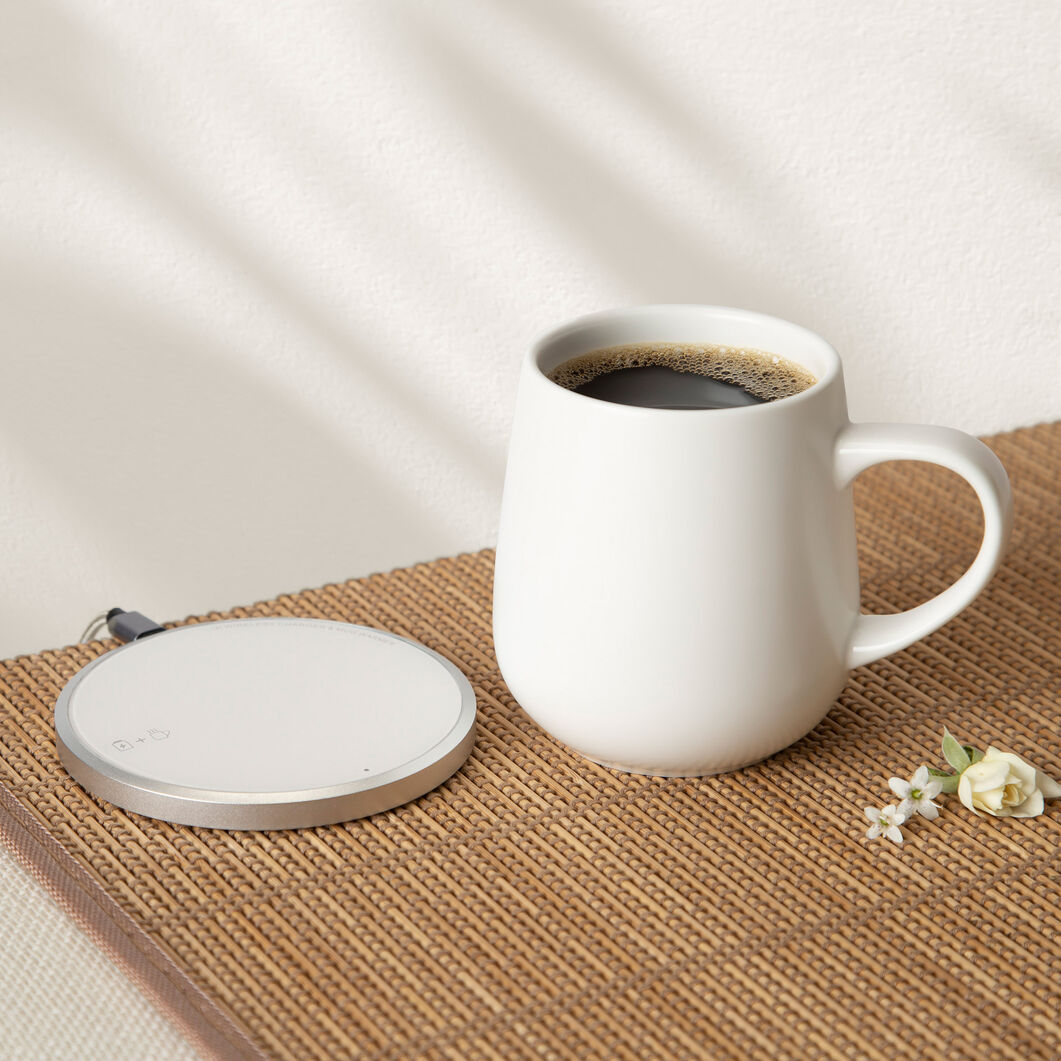 Ui Self-Heating Ceramic Mug & Charger in color Jasmine White