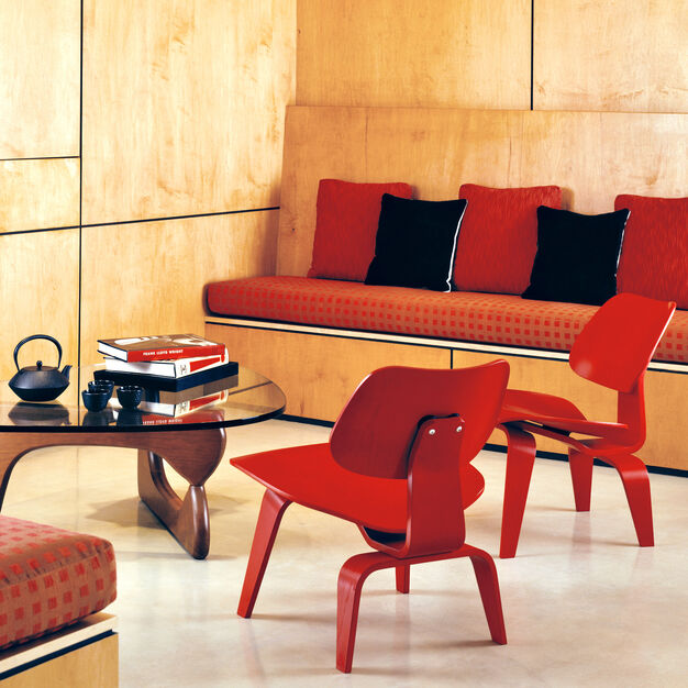 Eames® Molded Plywood Lounge Chair (LCW) from Herman Miller© in color Red