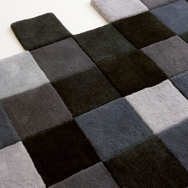 Nanimarquina Do-Lo-Rez Rug in color Gray