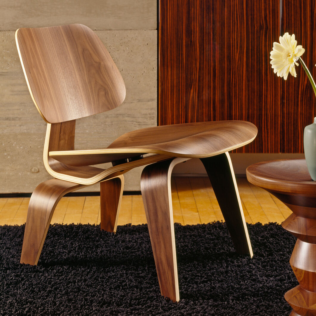 Eames® Molded Plywood Lounge Chair (LCW) from Herman Miller© in color Walnut