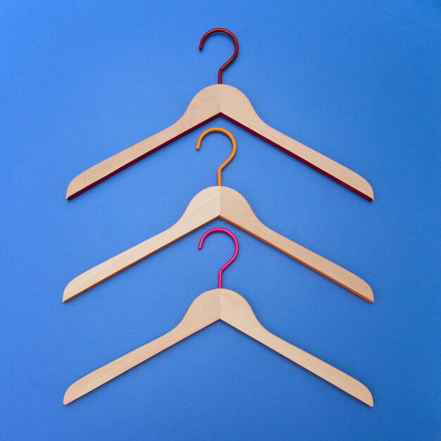 Toscanini Rainbow Hangers – Set of 3 in color Red/ Orange