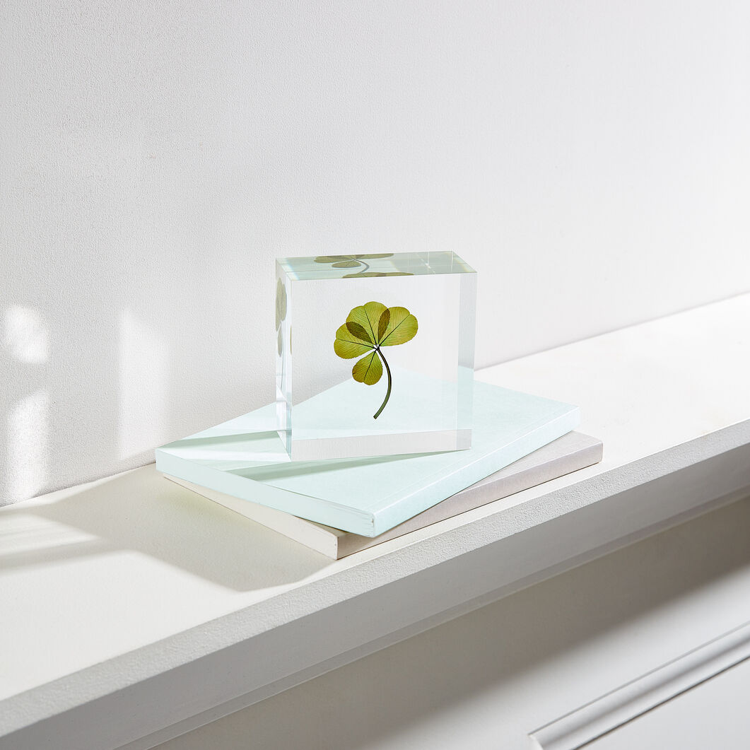 Large Lucky Clover Objet in color