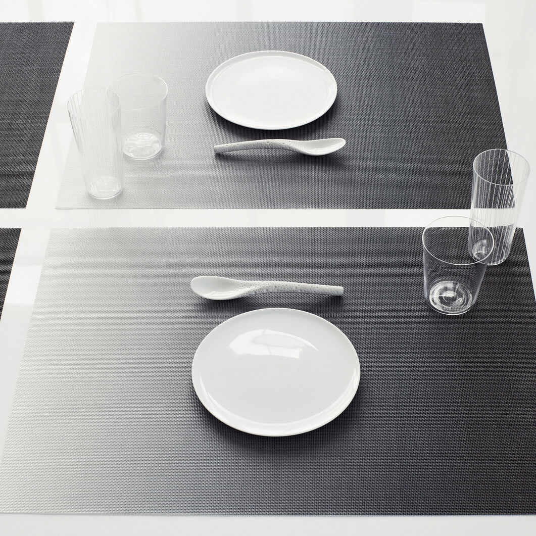 Chilewich Glow Placemat in color Black