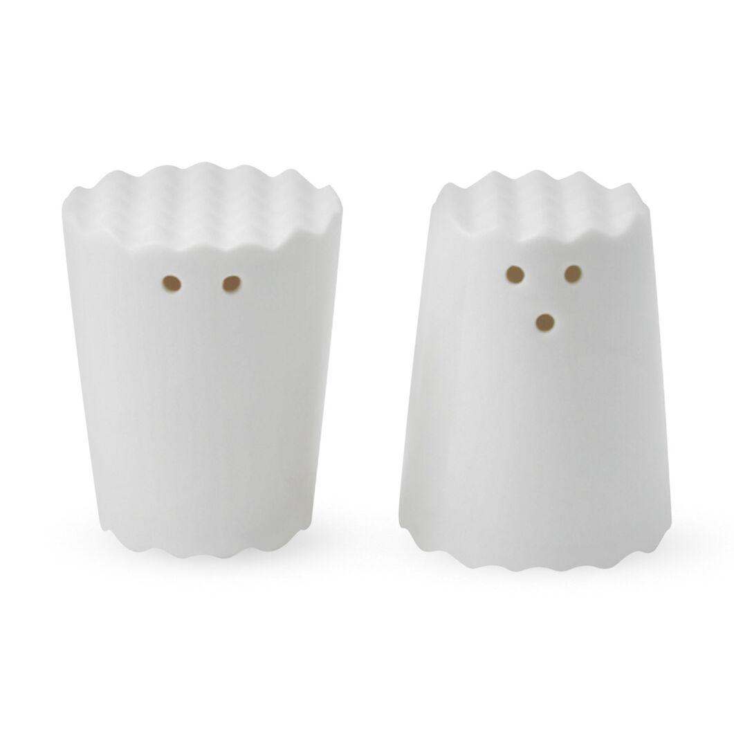Face Salt & Pepper Shakers in color