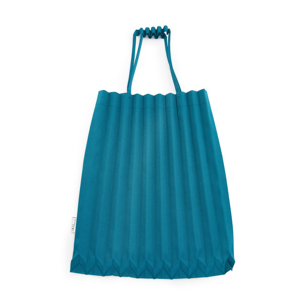 me ISSEY MIYAKE Trunk Pleats Bag in color Peacock Green