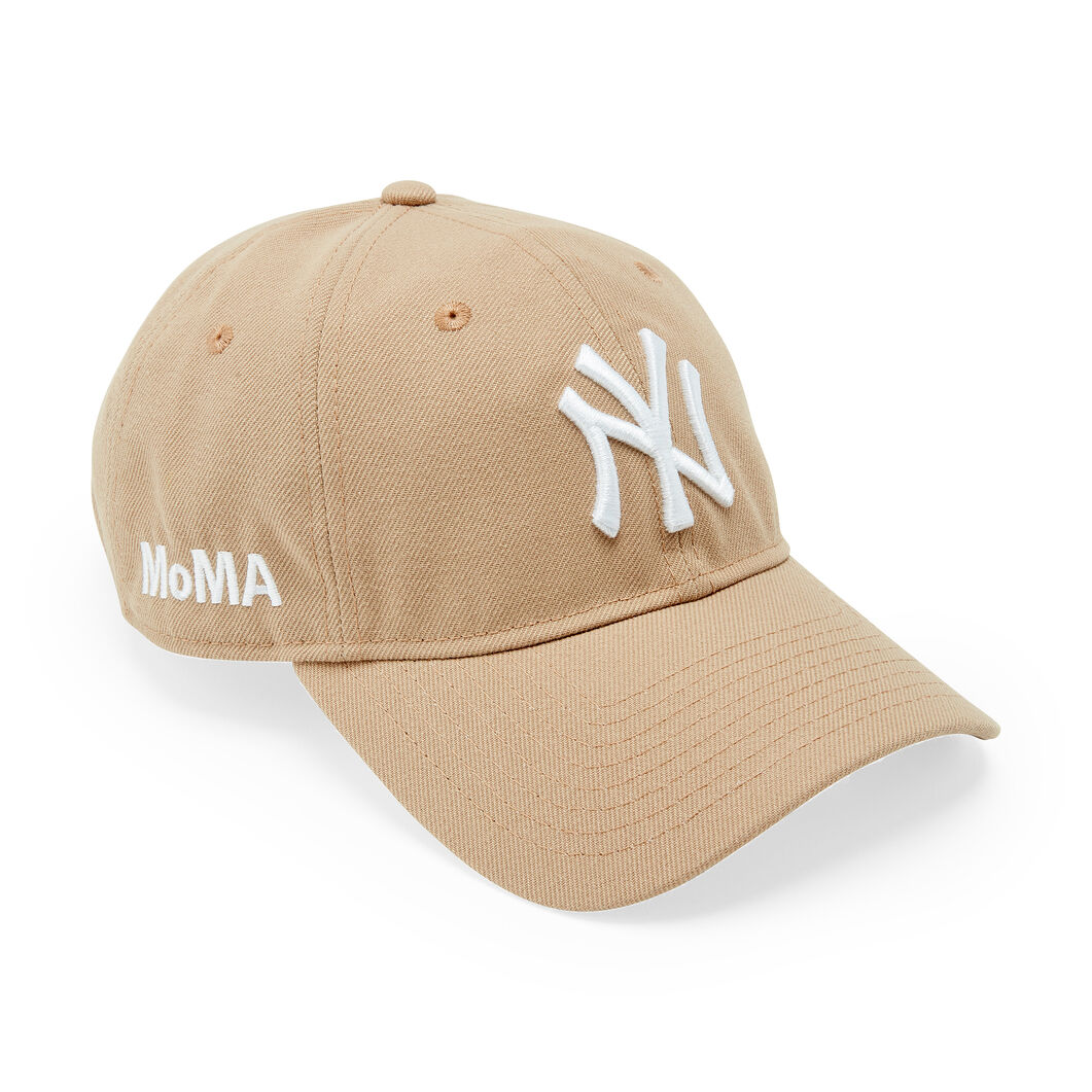 NY Yankees Cap in color Camel