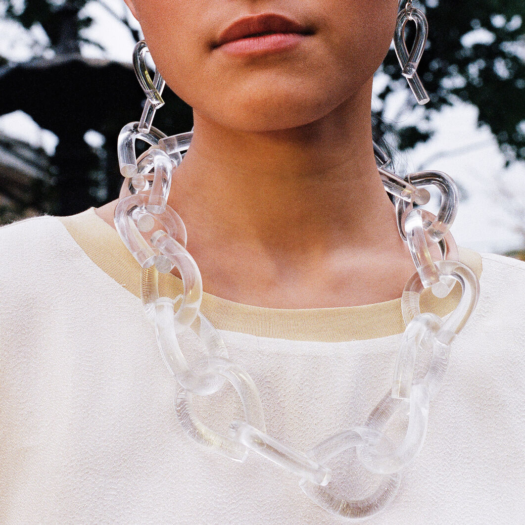 Twist Lucite Necklace in color Clear