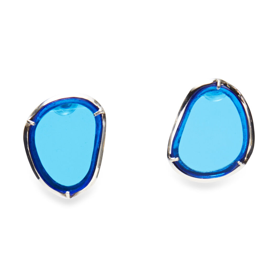 Movement of Light Earrings in color