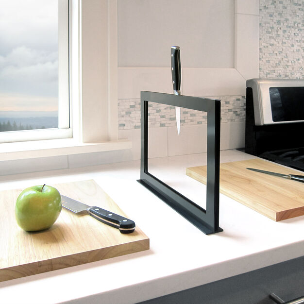 Chops Cutting Board and Knife Rack in color