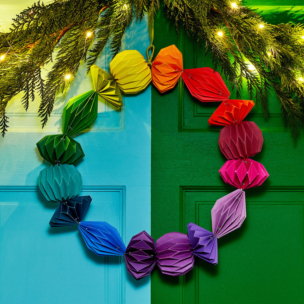 Geometric Paper Wreath in color