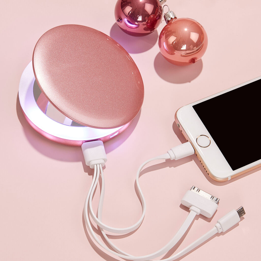 Pearl Compact Mirror and Charger in color