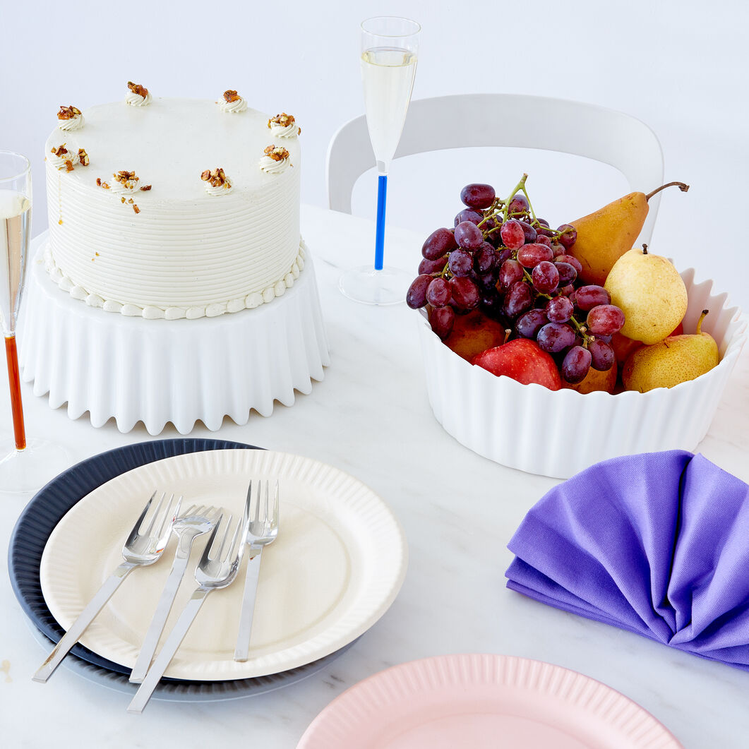 Curtain Cake Stand & Serving Bowl in color