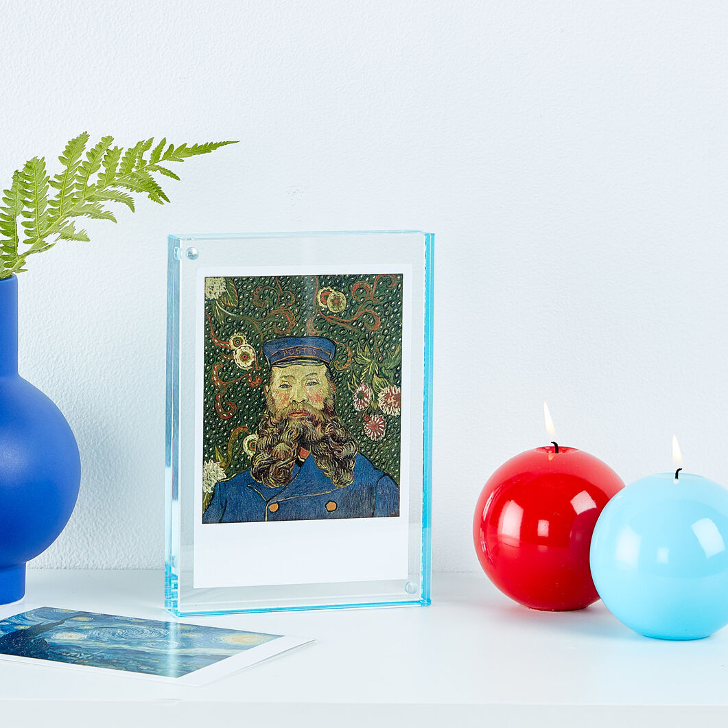 "Magnetic Frame - 5 x 7"" in color Blue"