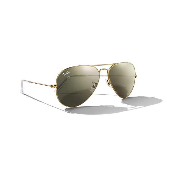 a11ed0e5170 Ray-Ban Aviator in color