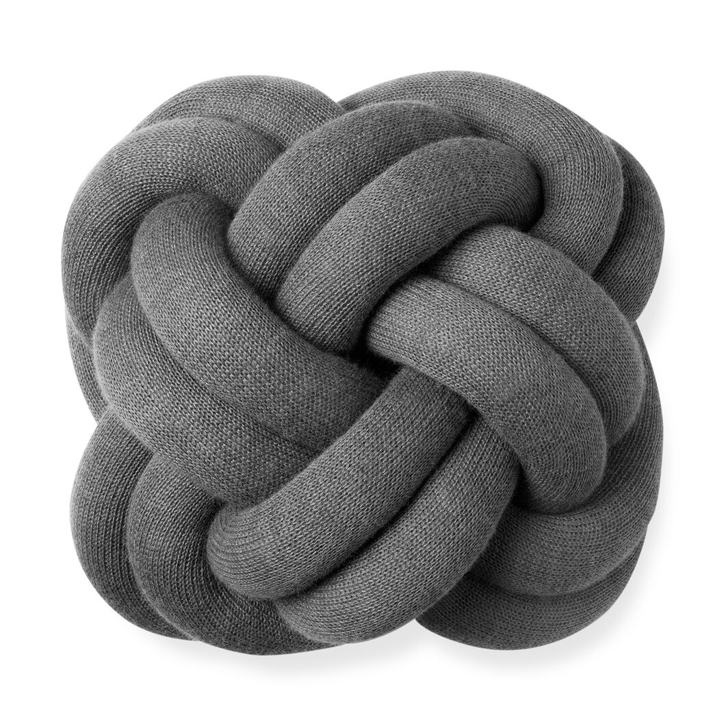 Knot cushion in color