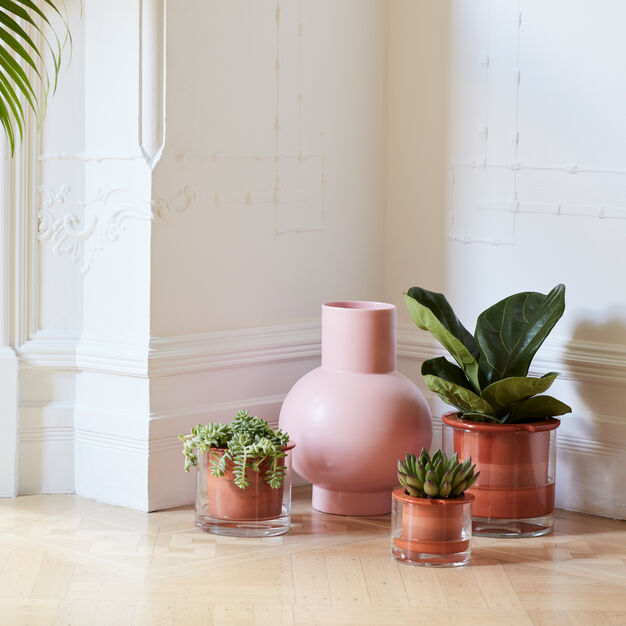 Self-Watering Pots in color Terracotta
