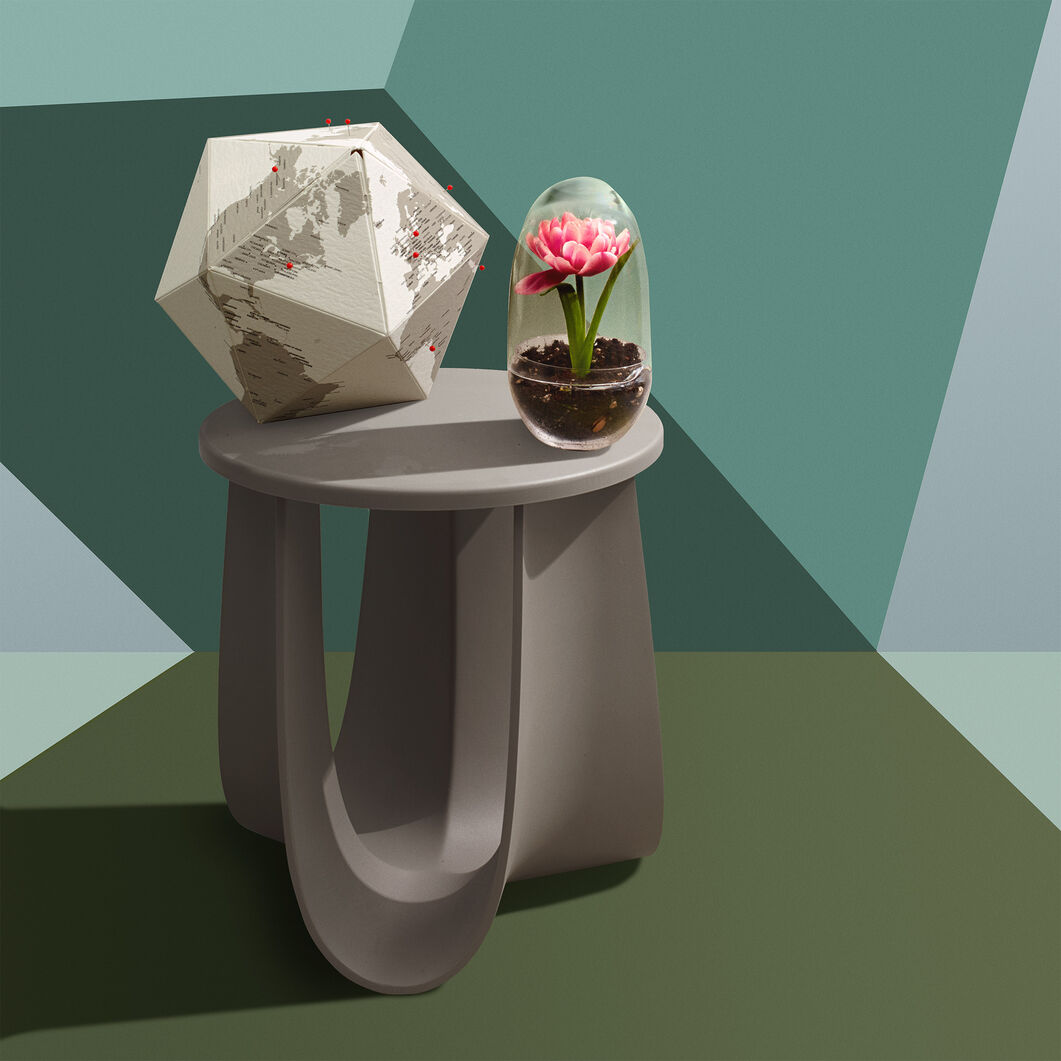 Sag Stool in color