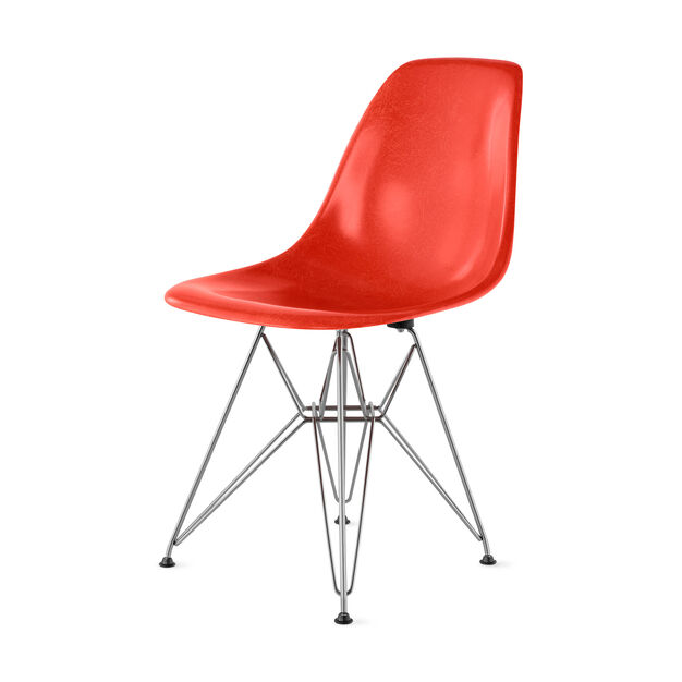 Chair Eames DFSR Red Orange in color