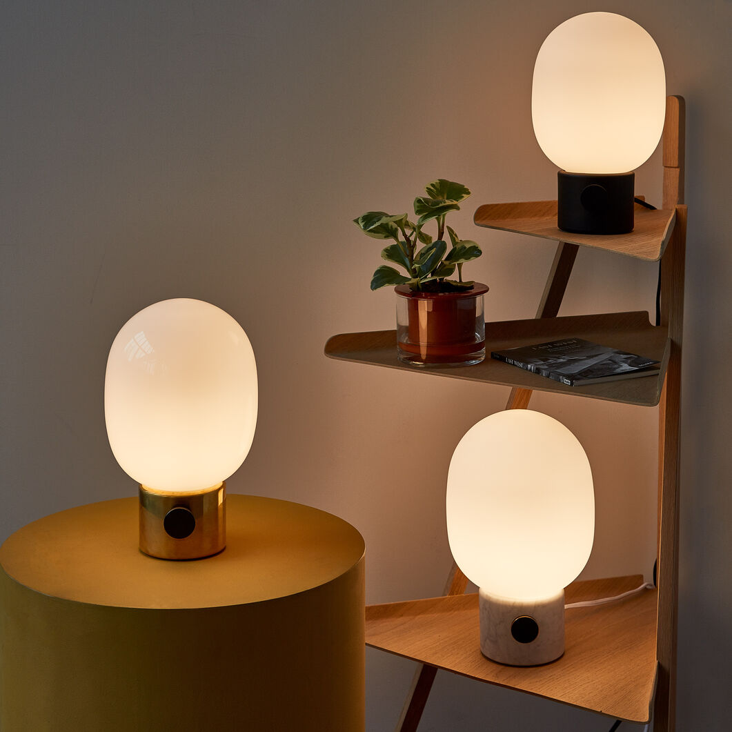 JWDA Table Lamp in color