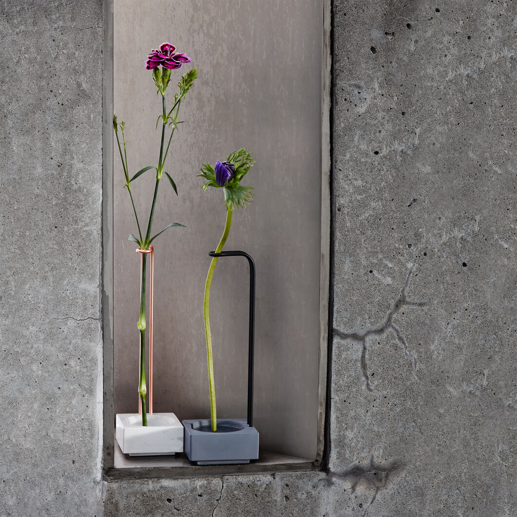 Blossom Well Vase in color Steel