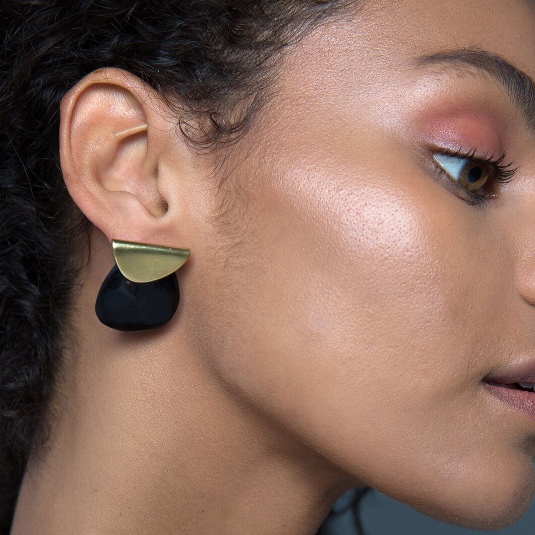 Sabi Contrast Earrings in color