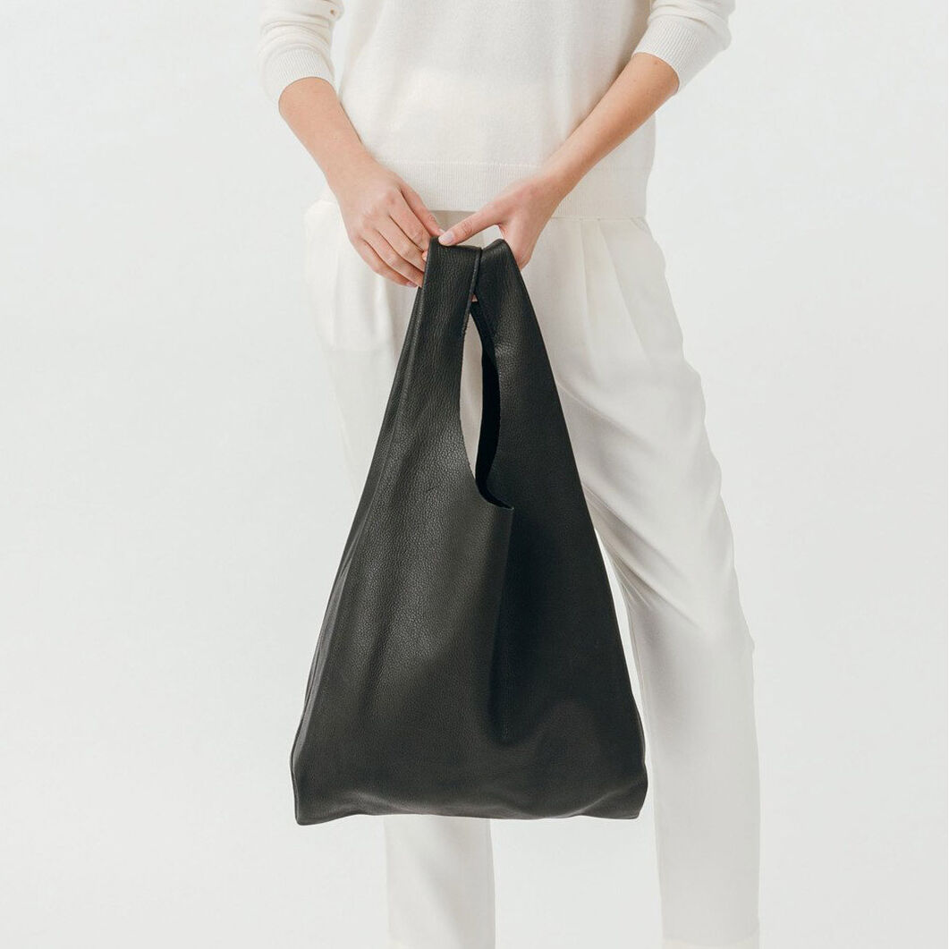 BAGGU Simple Leather Tote in color