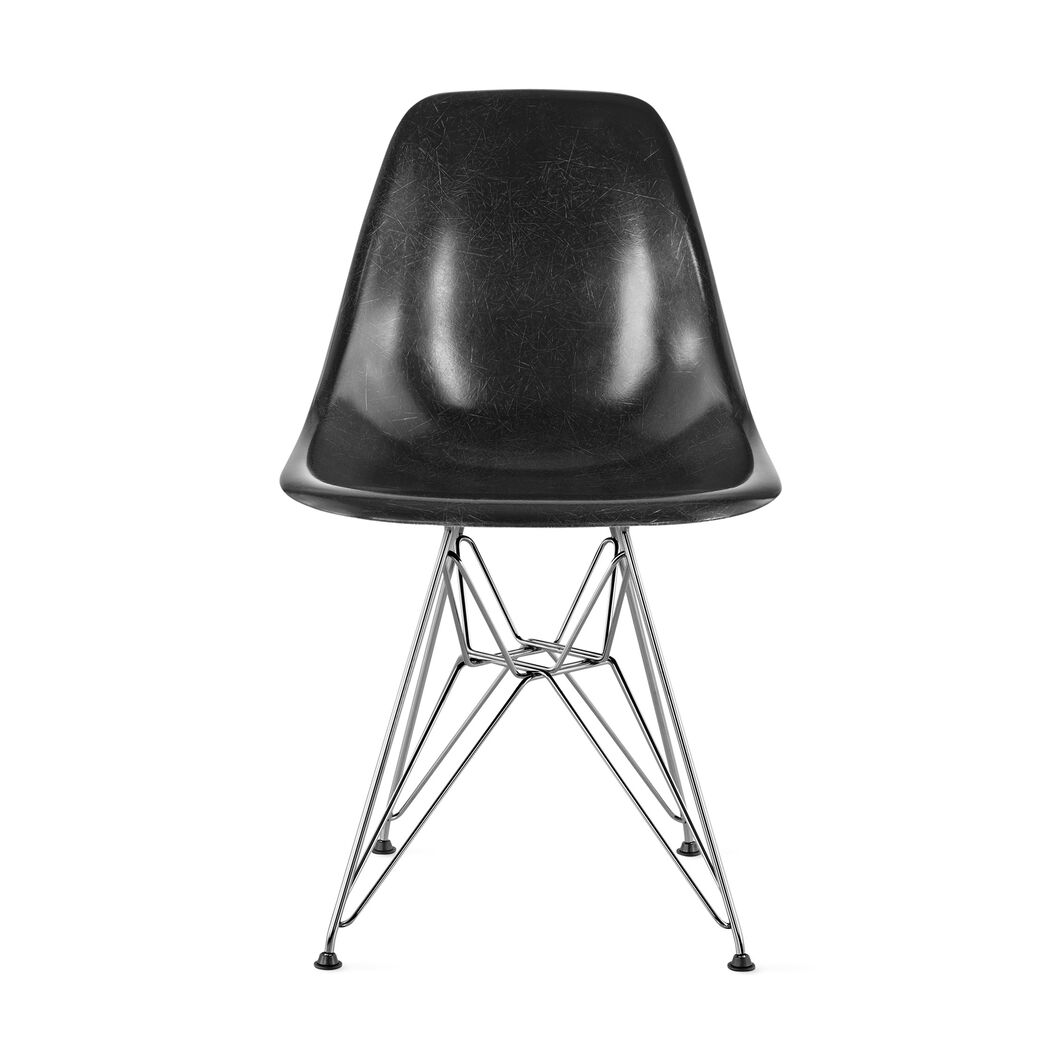 Eames® Molded Fiberglass Side Chair from Herman Miller© in color Black