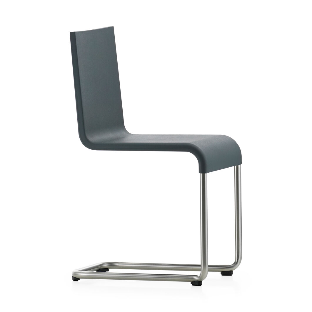.05 Chair in color Dark Grey