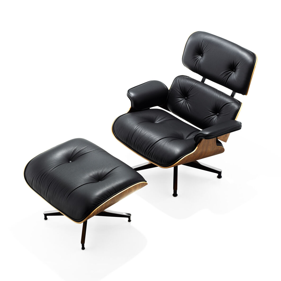 Eames Lounge Chair with Ottoman in color Black/  Walnut