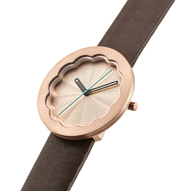 Scallop Watch - Gold in color Gold