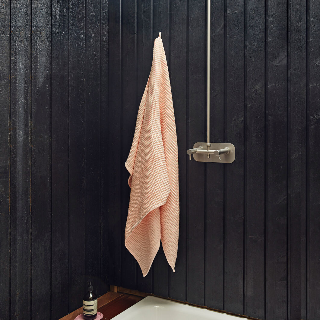 HAY Giant Waffle Bath Towel in color Peach