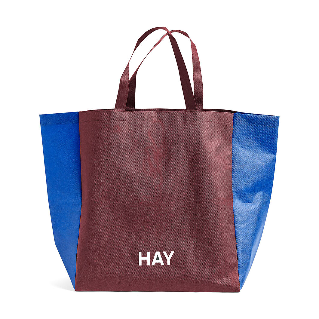 HAY Two-Tone Shopping Bag in color Burgundy