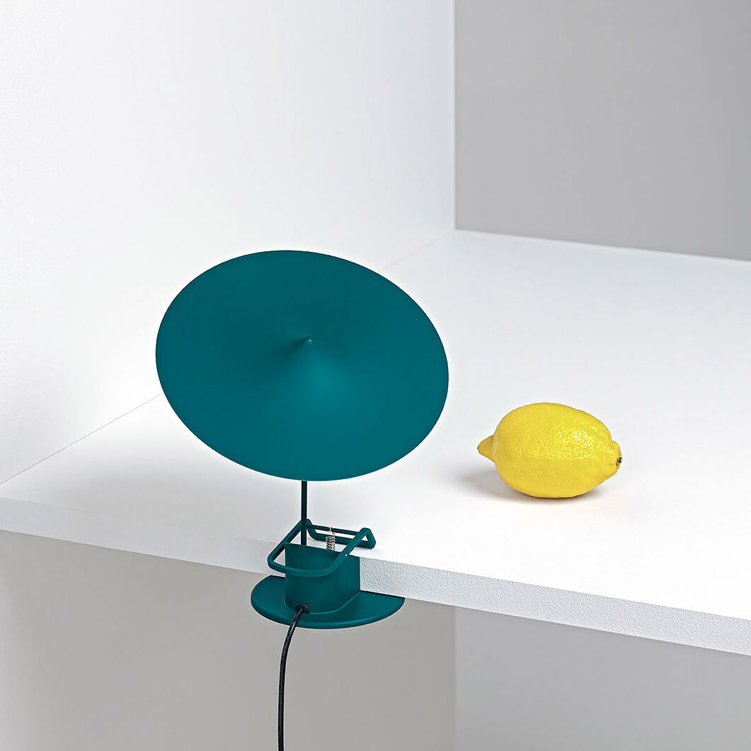 w153 Îîle table Lamp in color Petrol