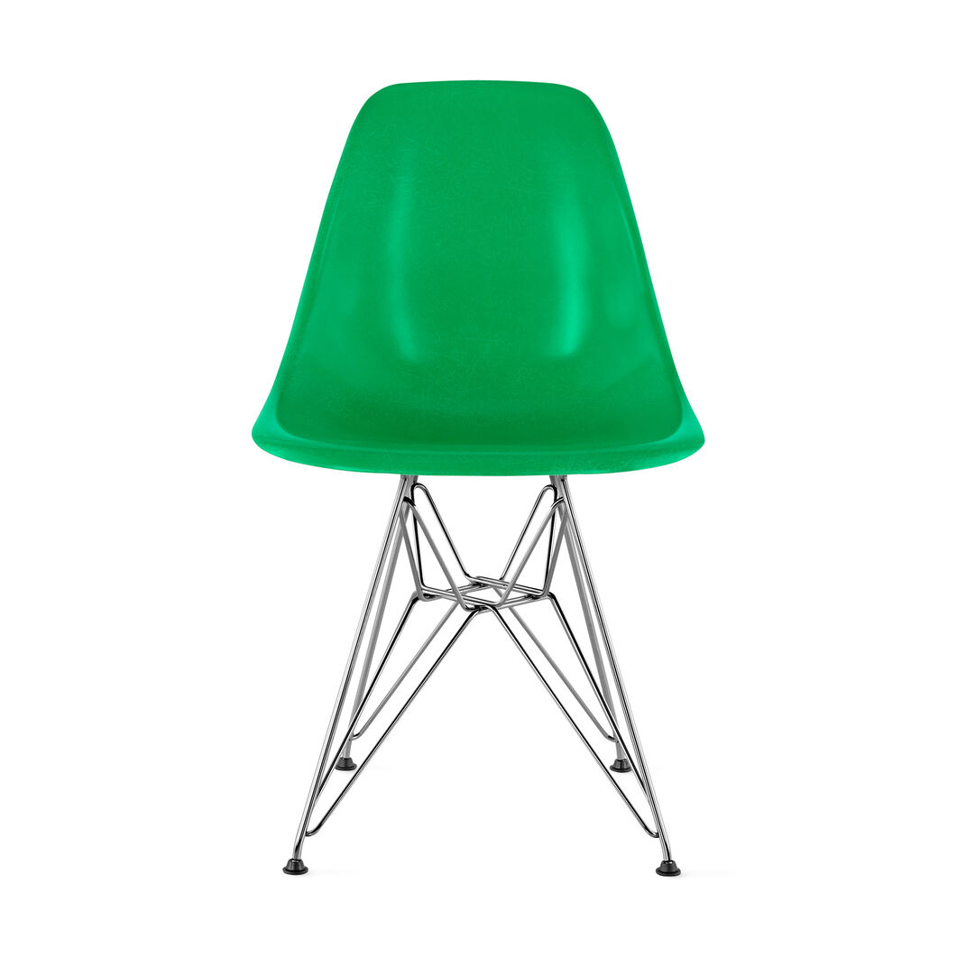 Chair Eames DFSR Green in color