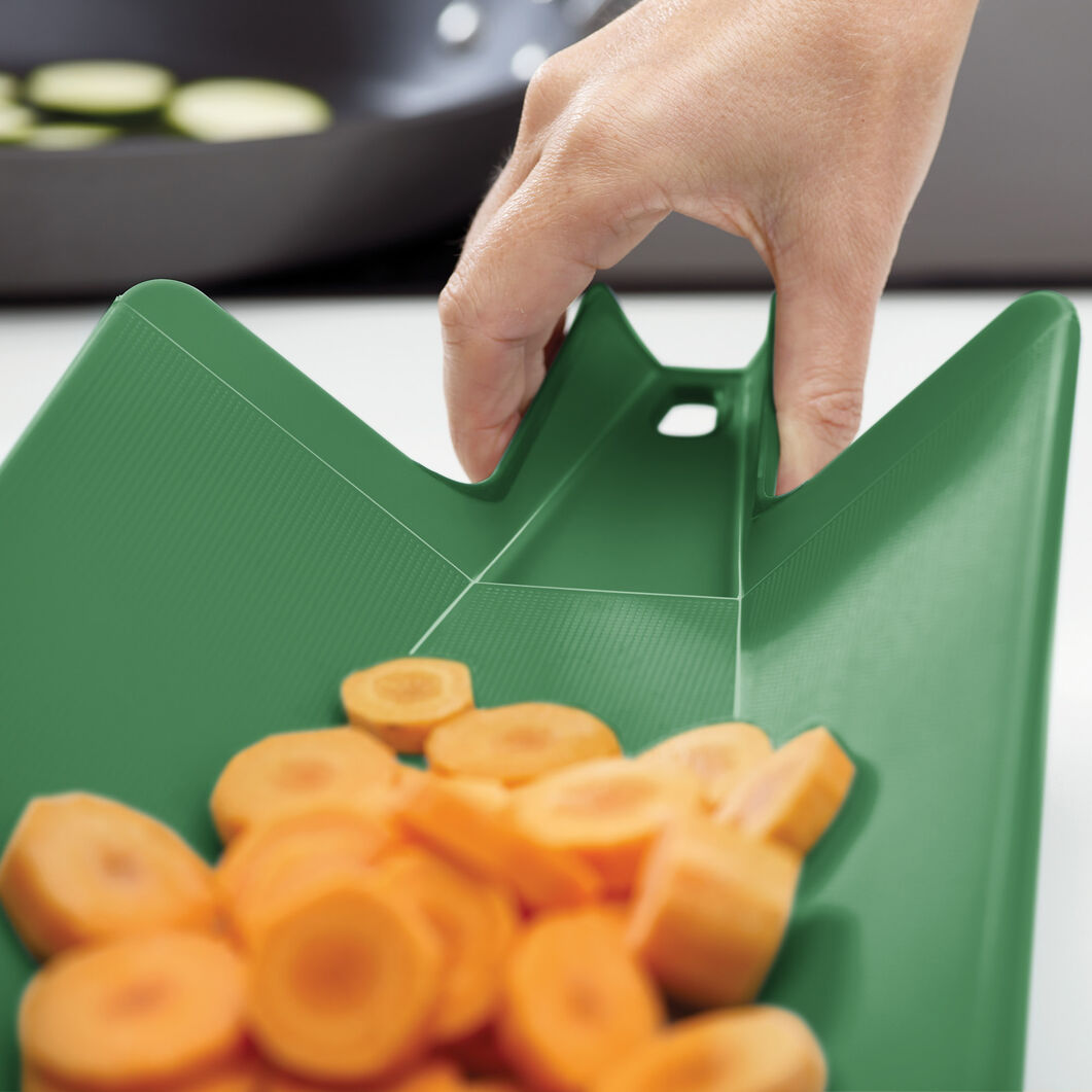 Chop 2 Pot Cutting Board in color Forrest Green