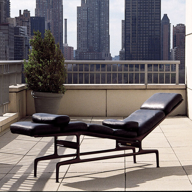 Eames® Chaise in color