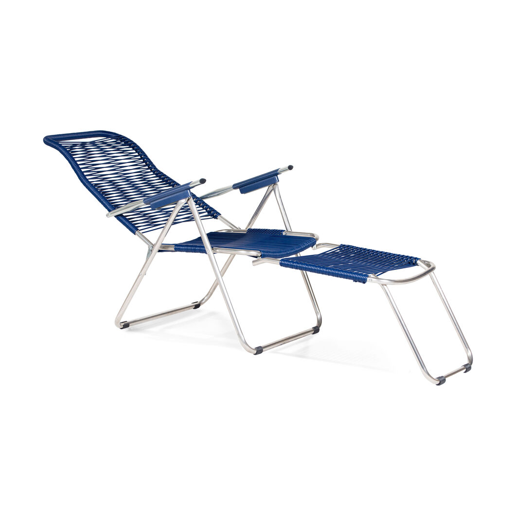 Spaghetti Outdoor Lounge Chair in color Navy