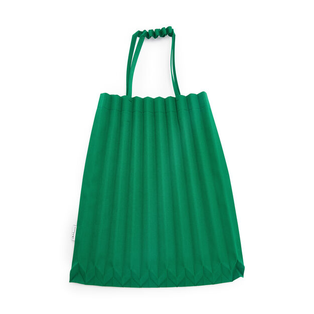 me ISSEY MIYAKE Trunk Pleats Bag in color Bright Green