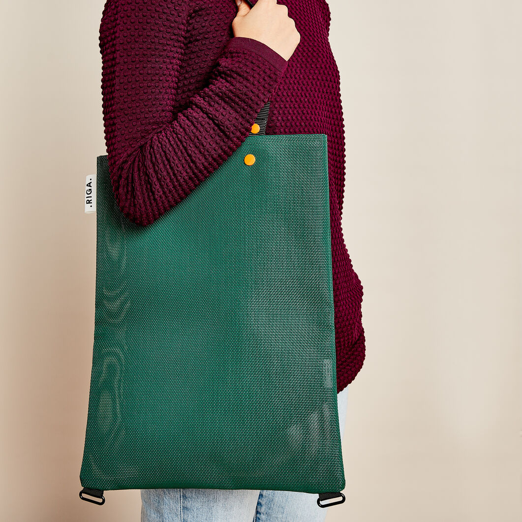 Riga Multi-Functional Bag in color Green