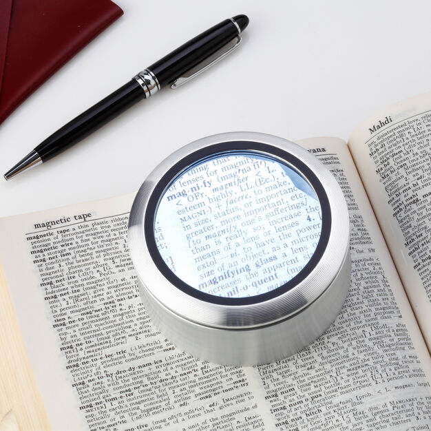 LED Magnifier in color