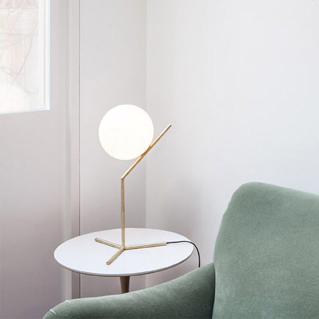 IC Table Lamp in color
