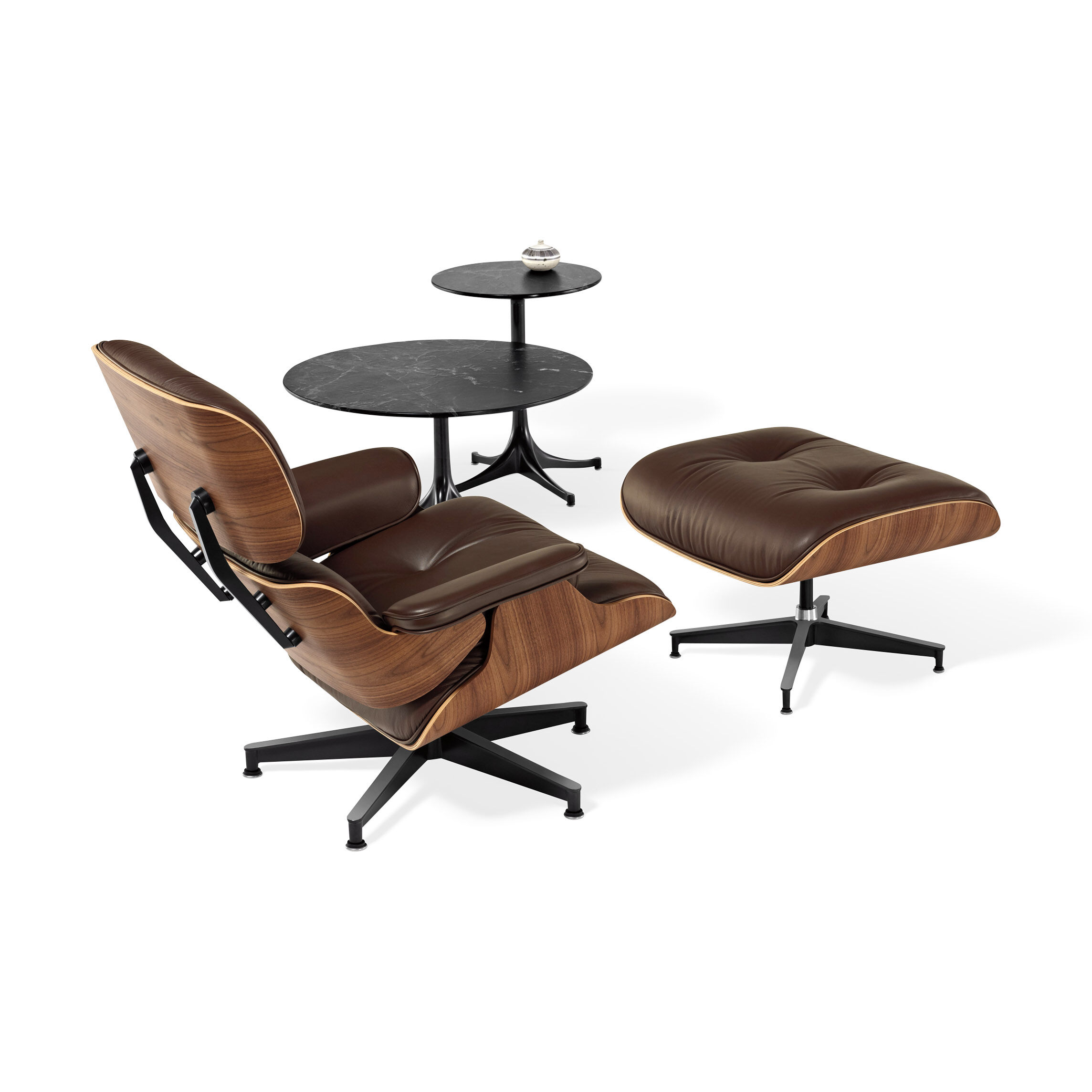 Eames Lounge Chair Brown Leather Walnut Panel In Color Brown/ Walnut