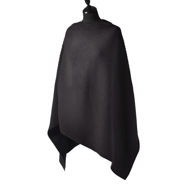 Fleece Poncho in color Black
