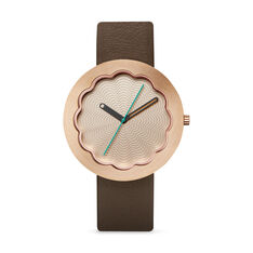 Scallop Watch in color Gold