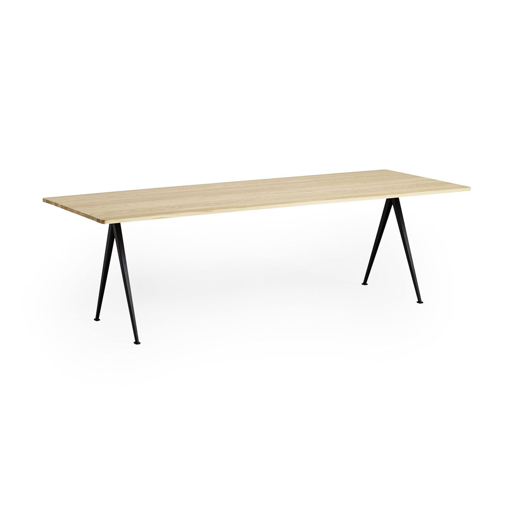 HAY Pyramid Dining Table 02 in color